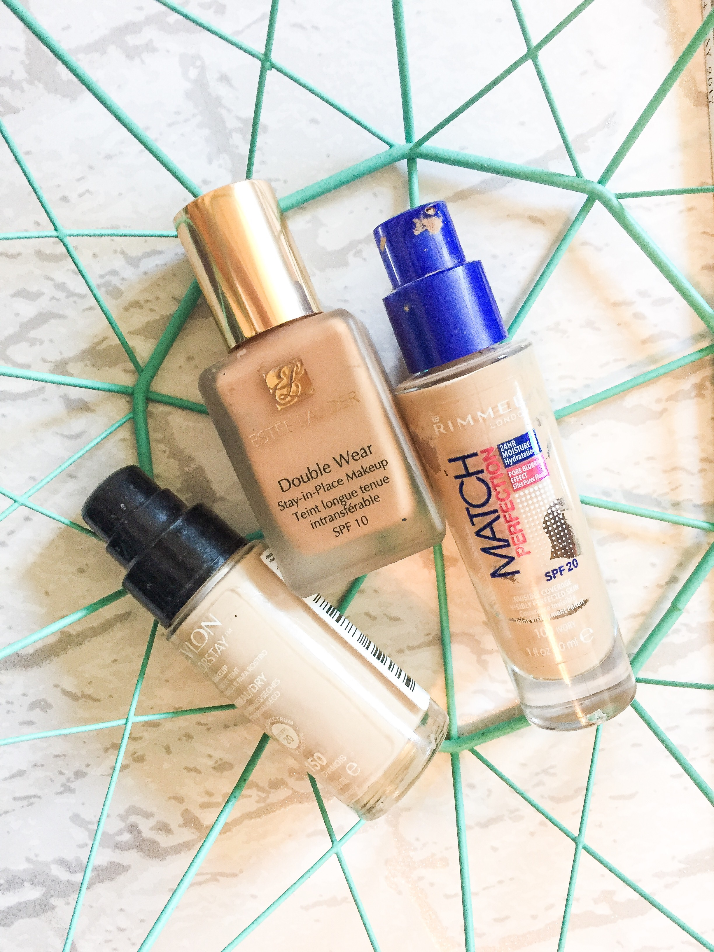 foundations-rimmel-london-estee-lauder-double-wear-revlon-colour-stay