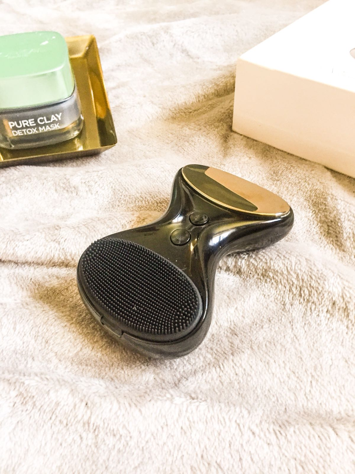 beglow tia cleansing cleanser device sonic
