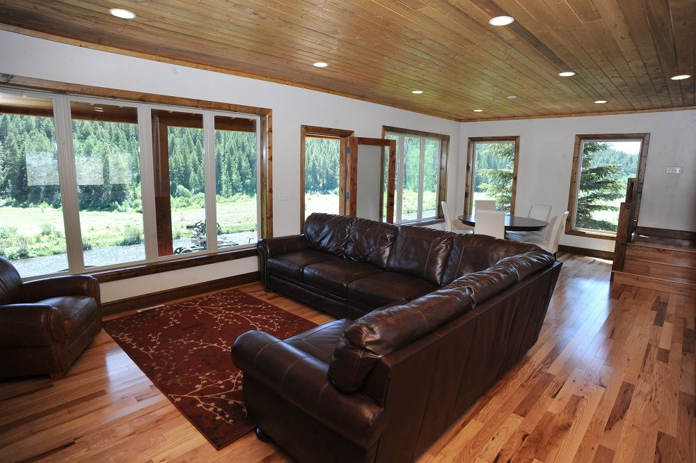 living-room-resize-compressor.jpg