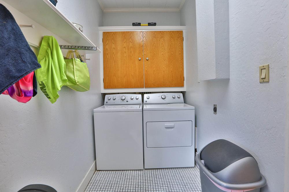 17_Laundry.jpg