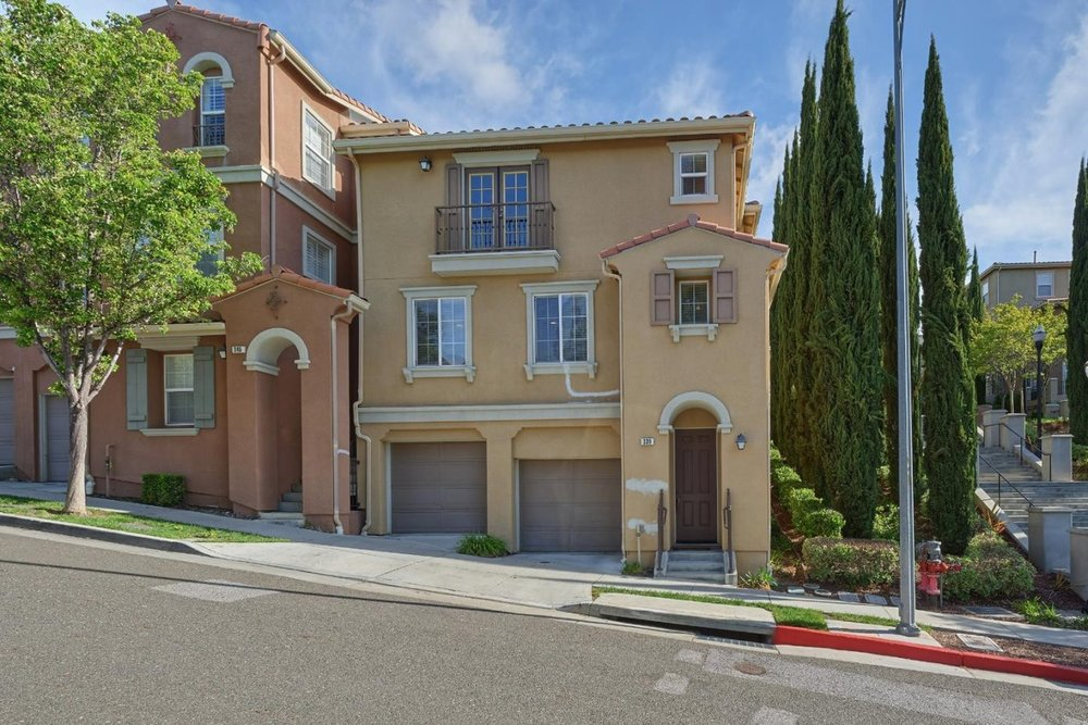 339 Tower Hill DR. San Jose - Twilight Open HouseThurs. 11/8 6 pm - 8 pm