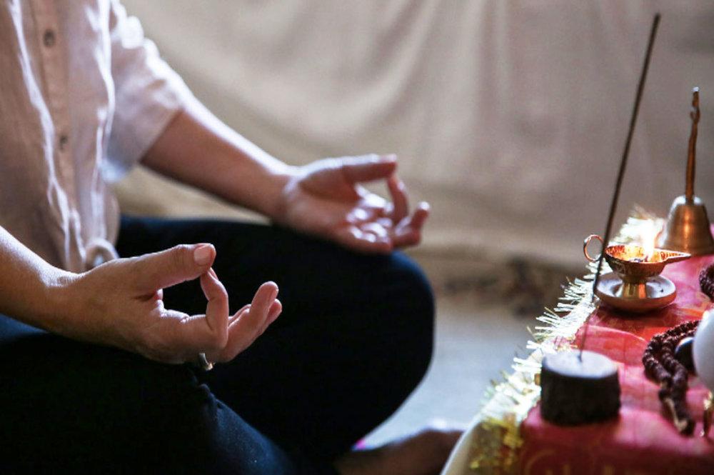 Author-Yoga-Teacher-Joelle-Hann-Meditation-Mudra.png