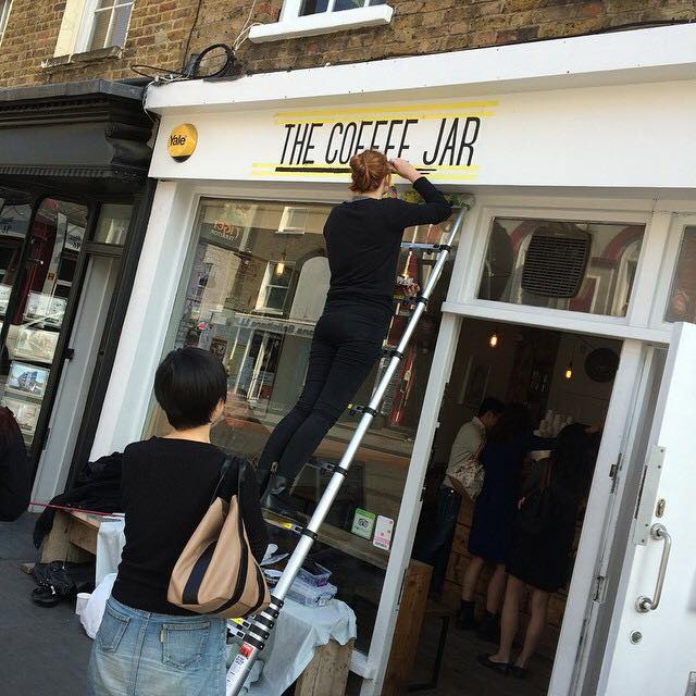 Chloe-Garrett-signwriting-for-the-first-time-in-London-03-1.jpg