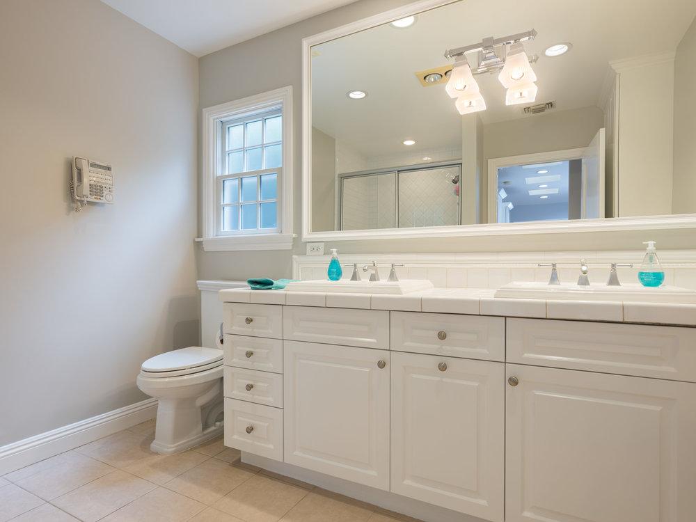 728 Woodruff Ave Westwood CA-print-024-9-Bathroom-4200x3150-300dpi.jpg