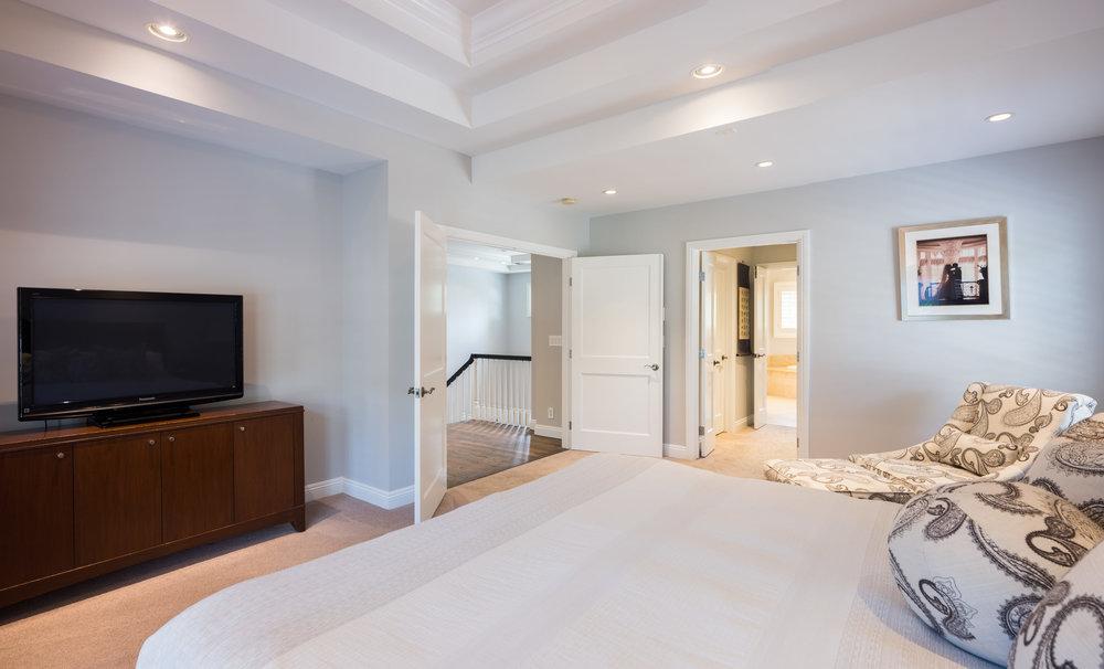 728 Woodruff Ave Westwood CA-print-026-31-Master Bedroom-4200x2545-300dpi.jpg
