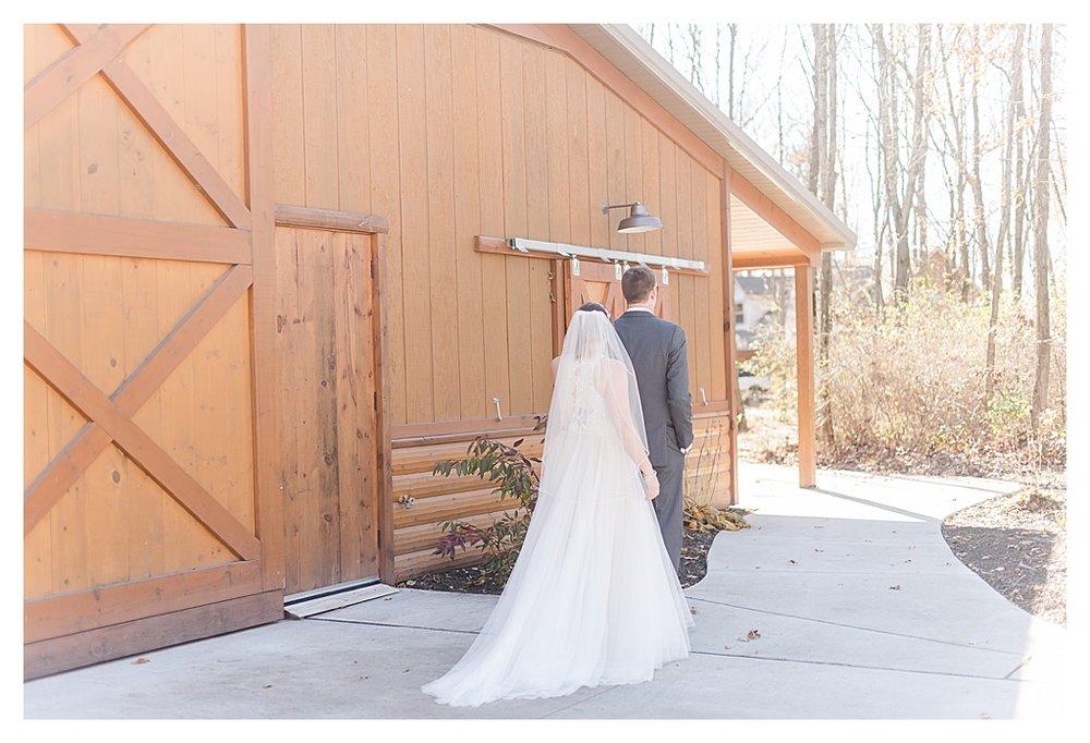 Hidden Hollow Farm Navy and Burgundry Wedding 16.jpg