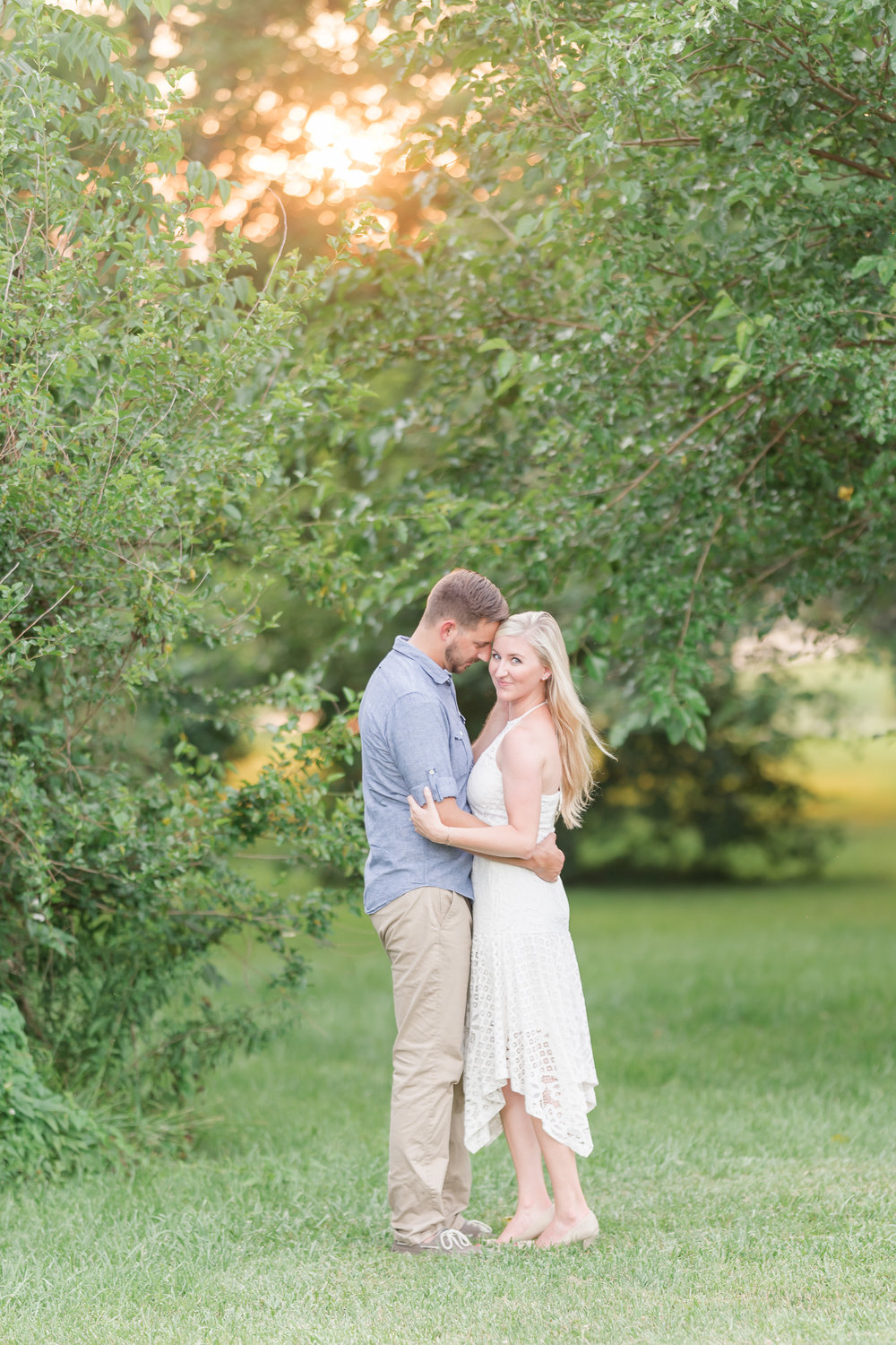 What to wear for your engagement session-8.jpg