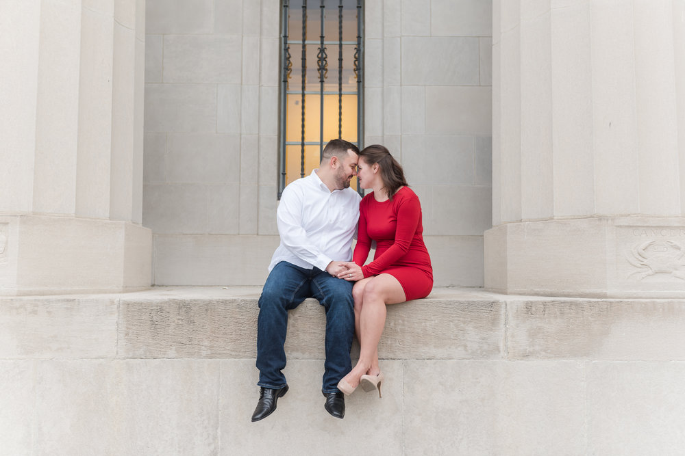 Downtown Indianapolis Engagement Session-16.jpg