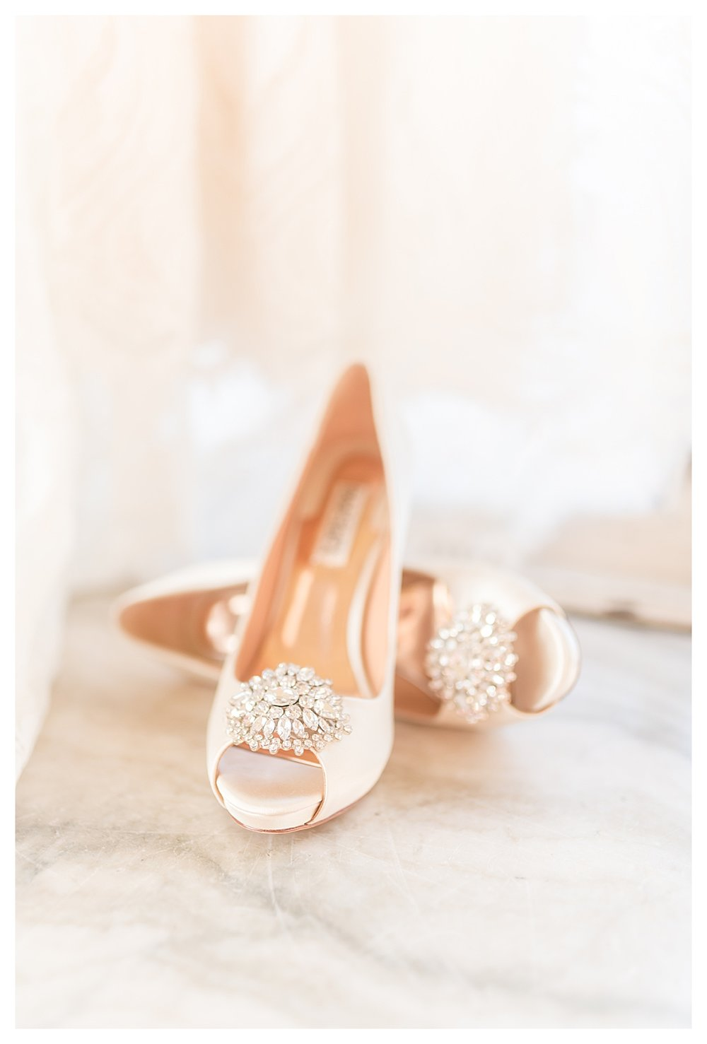 What to have ready when your wedding photographer arrives on your wedding day_1261.jpg
