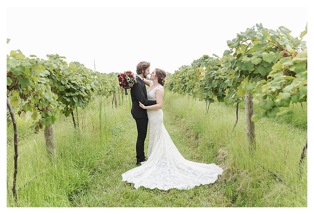 Summer Wedding Daniel's Vineyard_0202.jpg