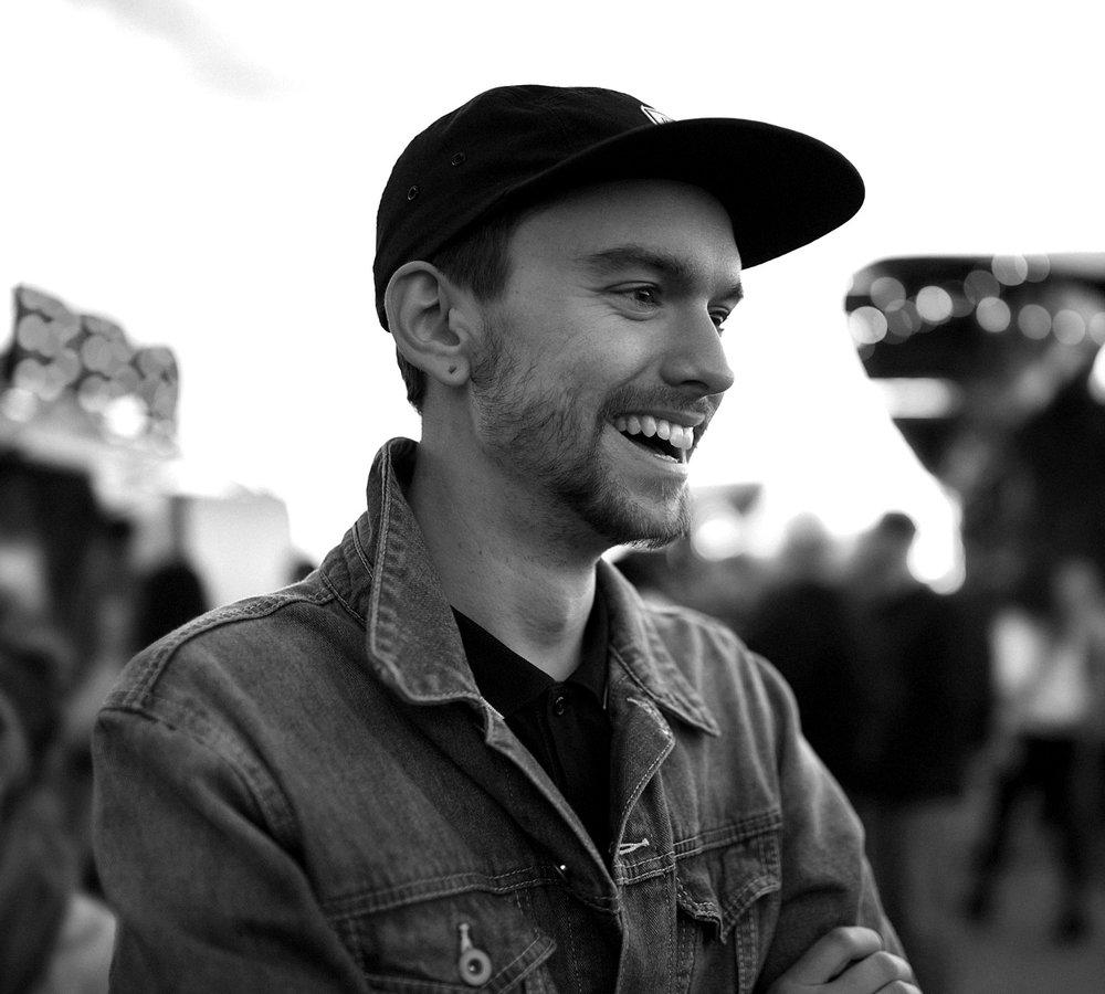 Scott Biersack - Designer, Illustrator & Type Designer