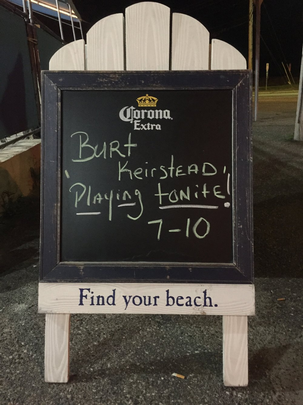 sign for playing.jpg