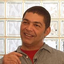 alejandro_headshot.jpg
