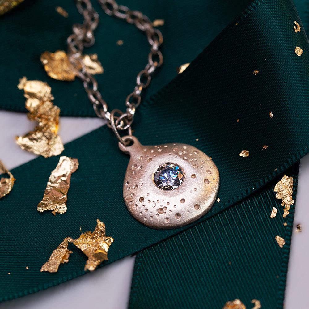 necklaceAlt2.jpg