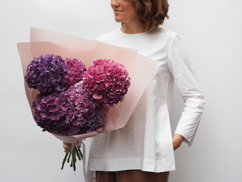 No. 4 - A mono bouquet of beautiful velvet noir hydrangeas. Hydrangeas are known for their stunning colour variety and unique ombre colouring.