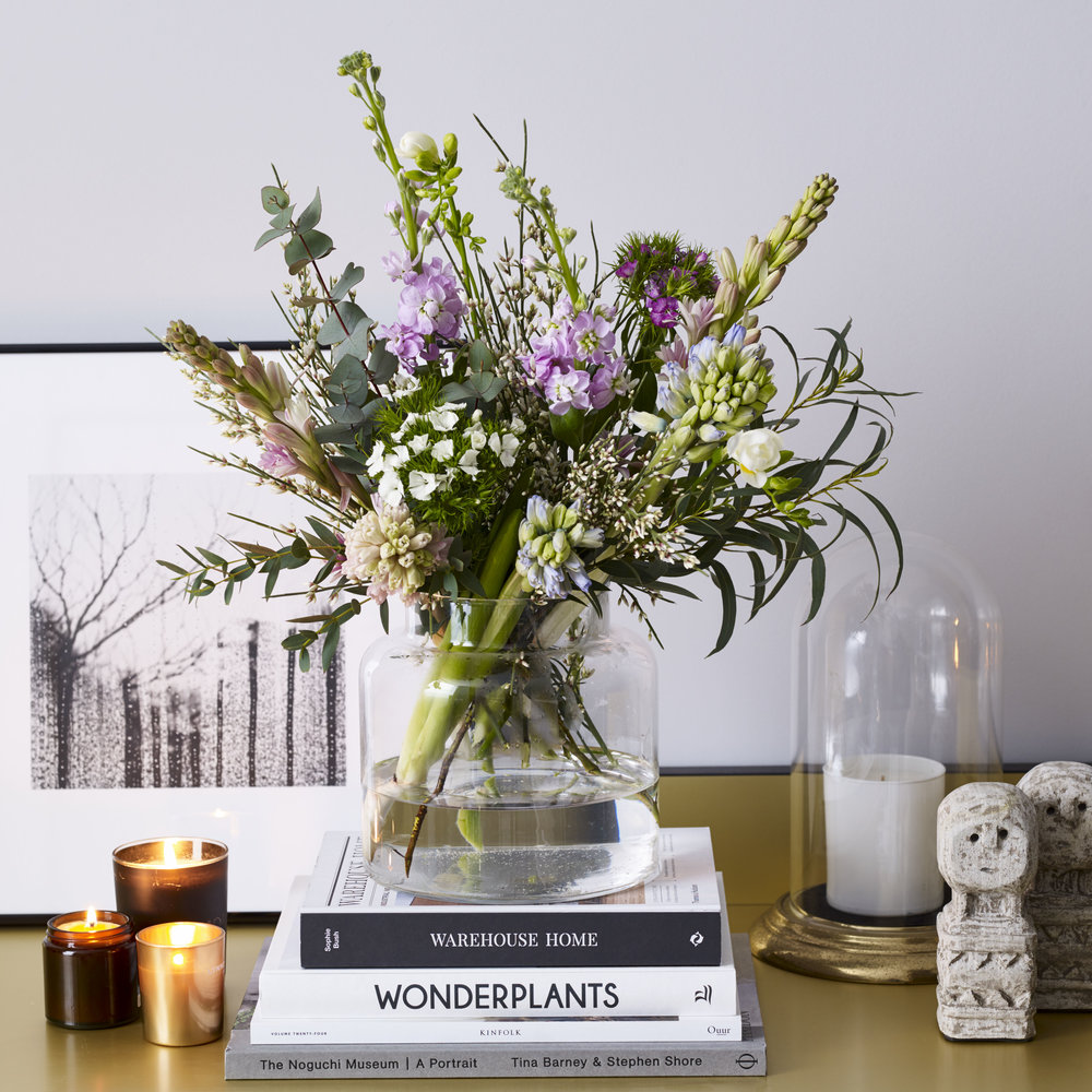 Inspiring flowers for creative spaces - Simple subscriptions, for your home, office or studio