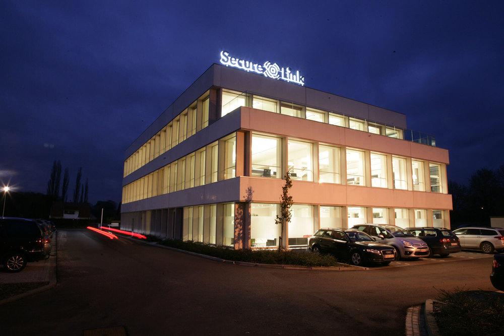 Kantoor Secure-Link bij nacht