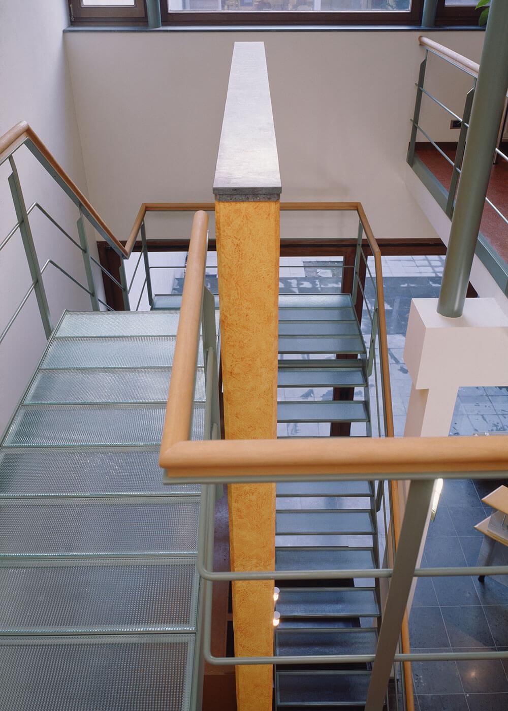 Kantoor_AAA_BAT_Antwerpen_Interieur_BAT_trap_boven.jpg