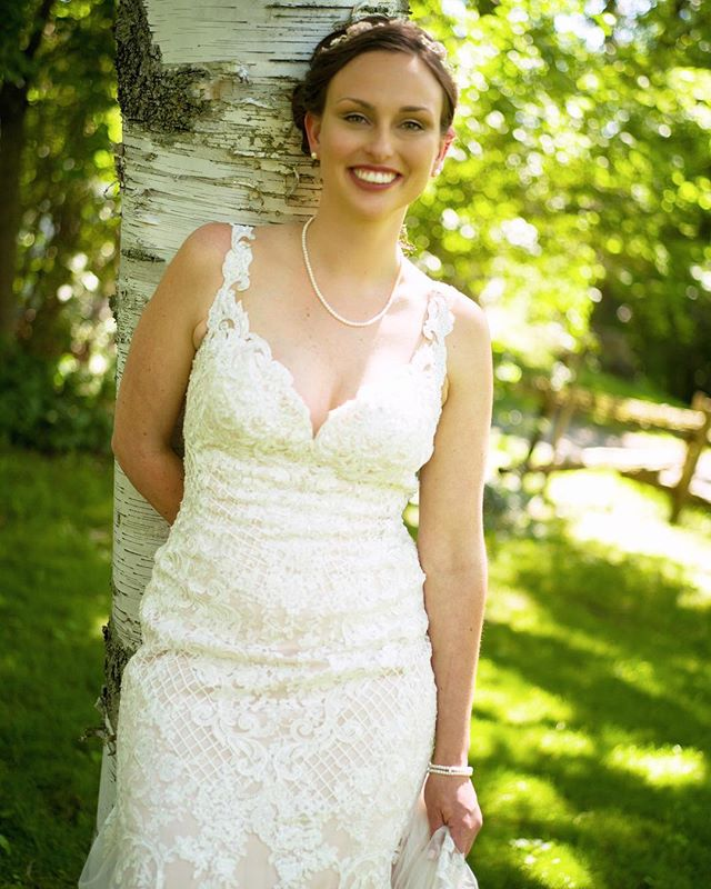 What a beauty ! @lindsaycowleyy @strathmere1979 #bohobride #countrywedding #no retouch #weddingday #bestdayever#ottawawedding #junebugweddings #weddingdress #weddingbells