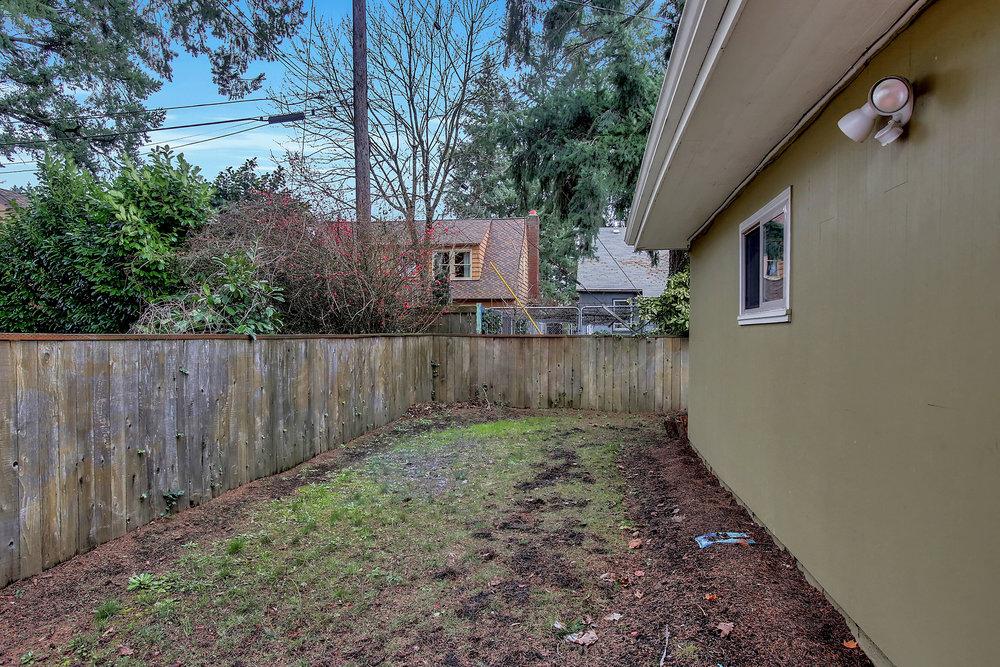 1023 N Ainsworth St - Portland- 31.jpg