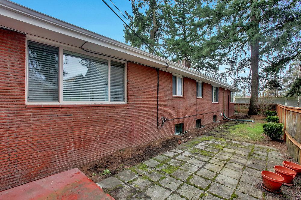 1023 N Ainsworth St - Portland- 32.jpg