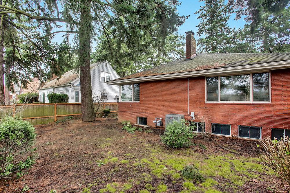 1023 N Ainsworth St - Portland- 34.jpg