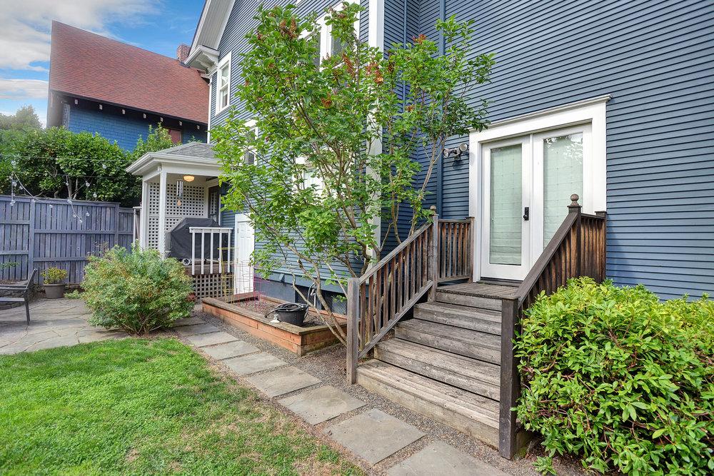 2434 NW Overton St - Portland- 38.jpg