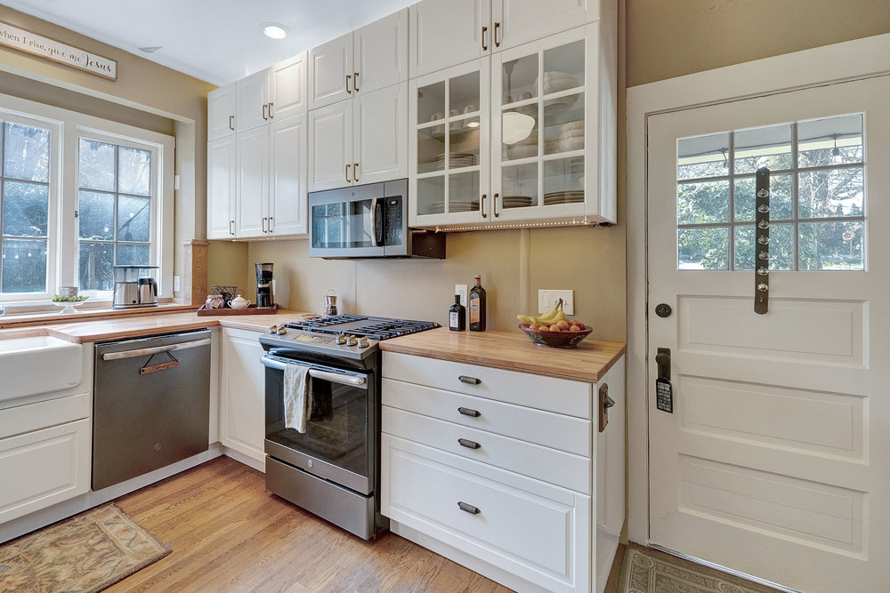 17614 SE River Rd - Milwaukie- 17.jpg