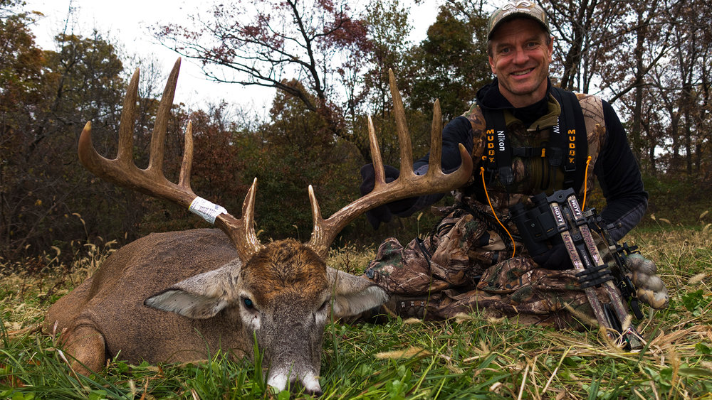 bowhunting-deer-chasing-November-the-wide-10-2-year-quest-Waypoint-TV