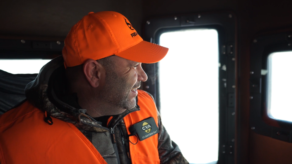 kenneth-lancaster-deer-hunting-iowa-waypoint-tv