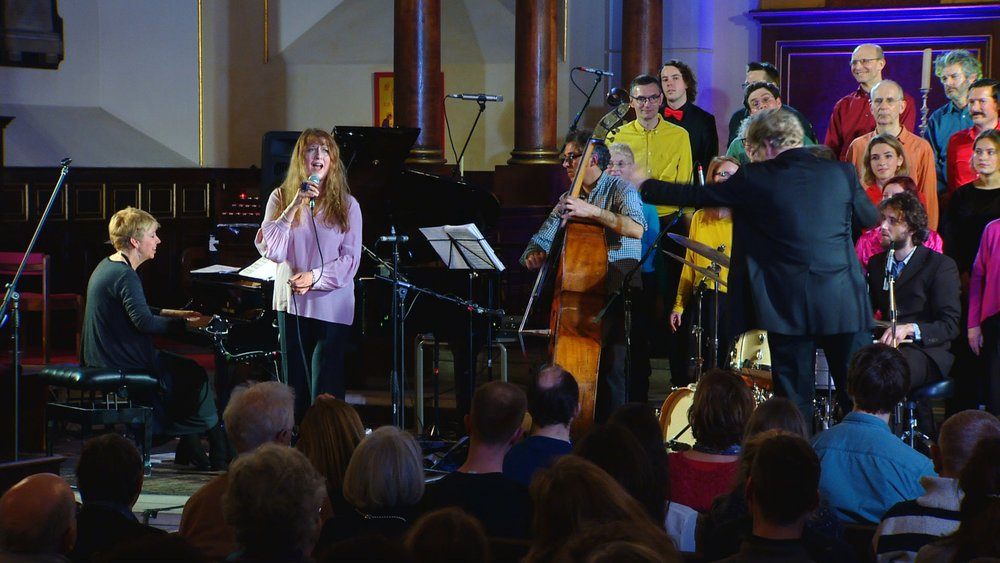 Singing with Eclectic Voices, led by Scott Stroman; with the Nikki Isles Trio (featuring Steve Watts & Tim Giles) at St Paul's Church, Covent Garden 2/3/19