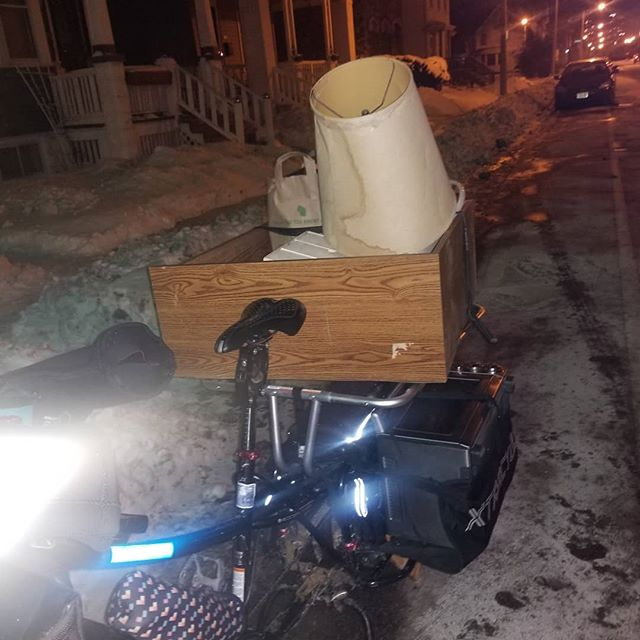 Thankful that I got cozy before crazy cold temps arrived with the Xtracycle making a few trups before winter made its appearance. Report. The Bosch motor doesn't really want to qork well below -10 but I don't blame it. ... humans dont either!  #moving #cargobike #xtracycle #boschbike #dailyride #lesscarmorego