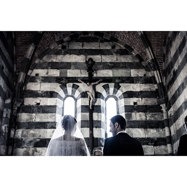 #momentchurch #sanpietrochurch . . . ★★★ whiteink.wedding ★★★ #whiteinkwedding #followedding #instawedding #weddingphotography #moments #weddingforward #xphotographer #fujilove #fujifilm #fujifilm_xseries #photooftheday #weddingpics #weddingstory #amazing #weddinginspiration #storytelling #storyteller #weddinglocation  #weddingphotographer #sun #coolstyle #weddinginitaly #location #loveitaly #matrimonio #dolcevita #destinationwedding #epicmoment