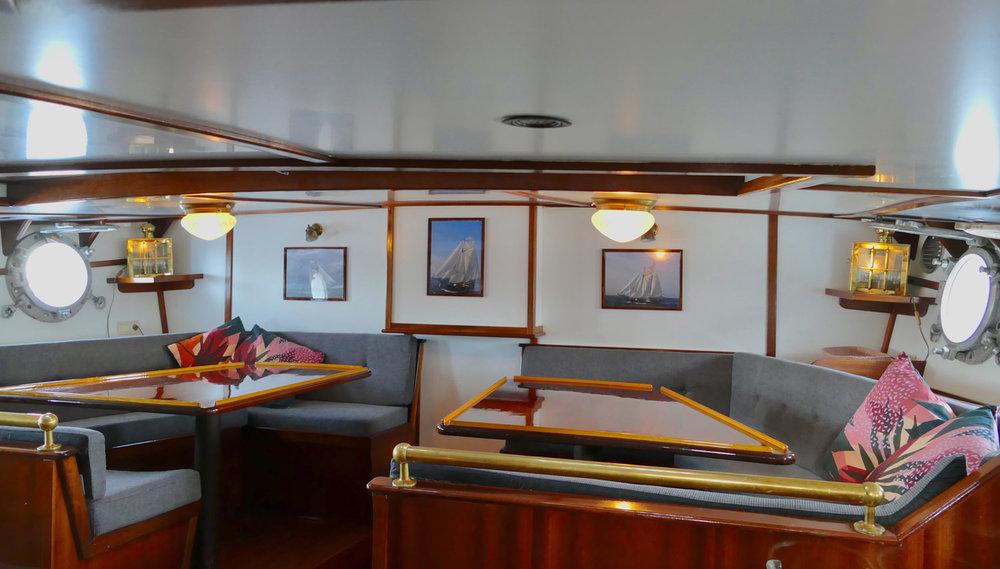 Below-deck-accomodation-2.jpg