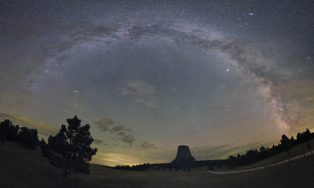 Devils Tower Milky Way.jpg