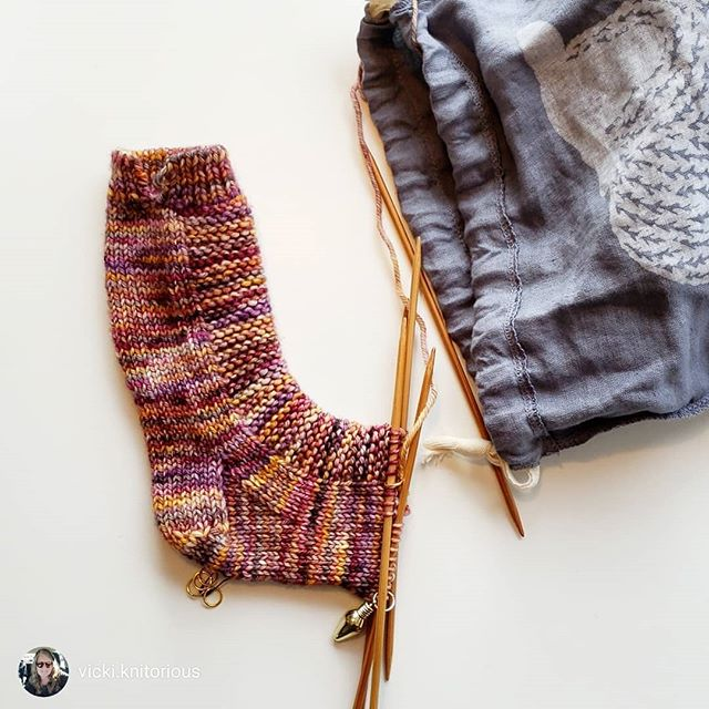 I've been on vacation and actually knitting! This project got a kickstart thanks to a 5-hour delay at ORD on departure day... making hay. 🙂 Loving this project, though. Rye Socks are fun, and it's a free pattern from @tincanknits . . repost via @instarepost20 from @vicki.knitorious One little sock... I may finish by the time we get home! #vlmvacation032019 #vacationknitting #knittingsocks #ryesocks #knittersofinstagram #knittersofig #makedotdo @make_._do #handdyedyarn #knittingforgin