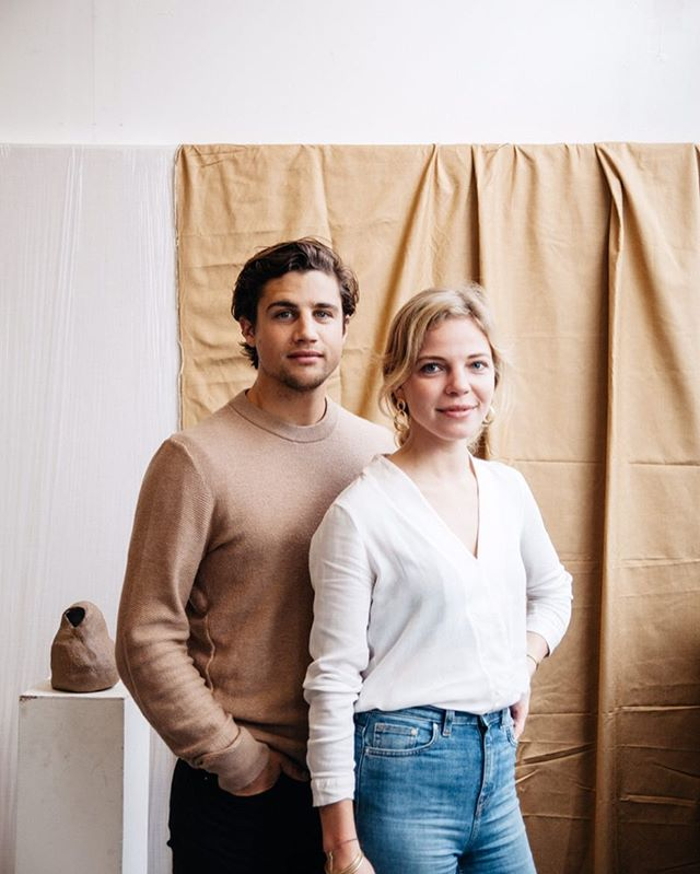 We've got Zoe and Tom, co-founders of @wunderworkshop and authors of 'Super Root Spices' with us for a Q&A about the latest healing innovation that everyone's raving about; CBD oil. What would you like to know about it? Let us know your questions in the comments below so that we can ask them on Saturday.  #alignlondon #wunderworkshop #cbd #superrootspices #plantmedicine #ayurveda