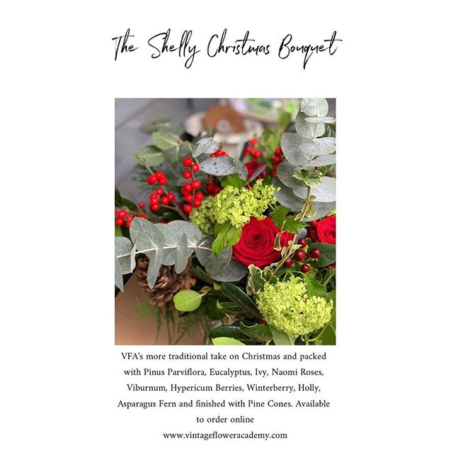 The Shelly Christmas Bouquet now available online www.vintagefloweracademy.com #VFA #popup #flowermarket #christmasflowers #traditional #winterberry #flowerdelivery #supportinglocal #smallbusiness #wokingham #berkshire