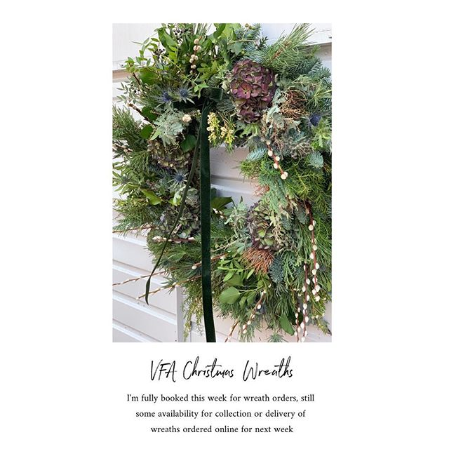 Fully booked this week for wreaths, availability for next week 🖤 got some stunners going out like this one today a custom order for a lovely couple just back from the states .... welcome home 🖤#VFA #wreathineveryday #christmas #doorwreath #flowerdelivery #smallbusiness #wokingham #berkshire #pimpyourdoor