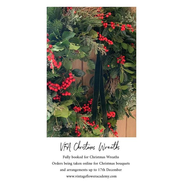 Fully booked for Christmas Wreaths, online orders being taken for table arrangements and bouquets, check out VFA Christmas Stories for what's available 🖤 #VFA #wokingham #florist #flowerdelivery #christmasflowers #horseboxconversion #popupshop #berkshire #supportinglocal #vintage