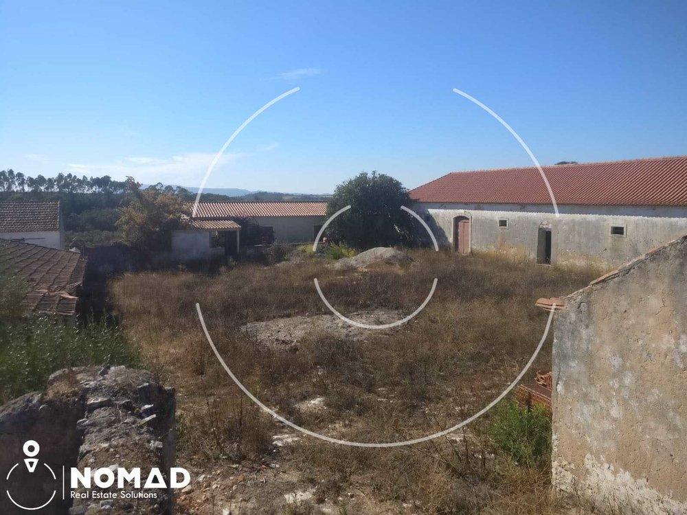 Redondezas - Fácil acesso à A1 e A13Belíssima zona histórica de SantarémPraias da zona OesteVila de Óbidos