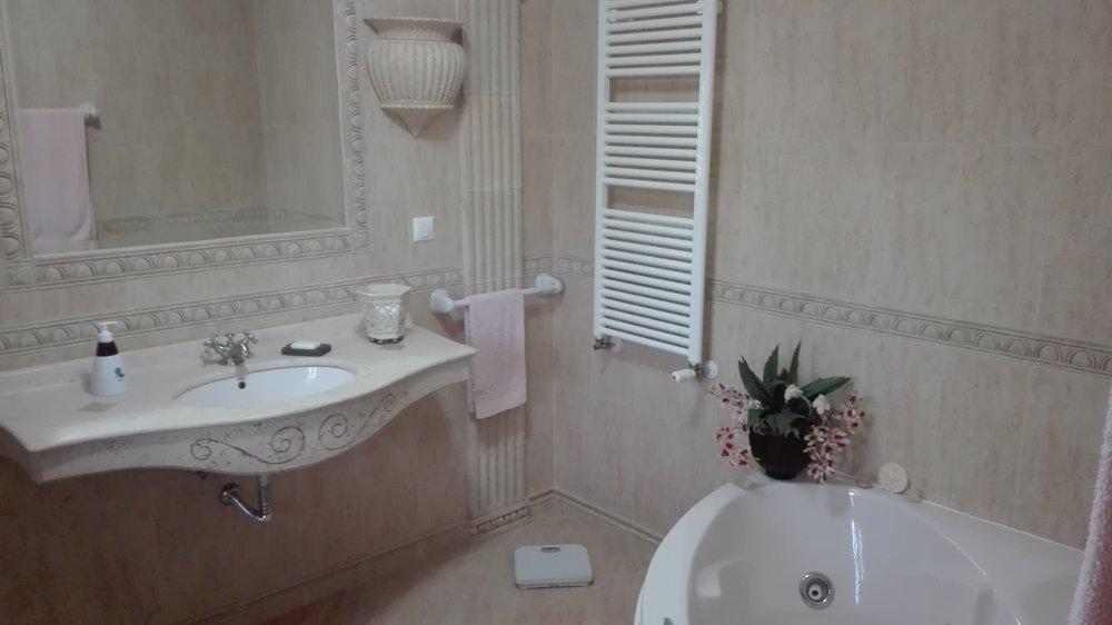 WC Suite C.jpg