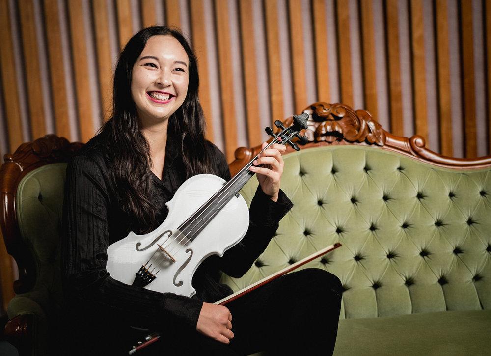 Geena Salway, Bass-Viola