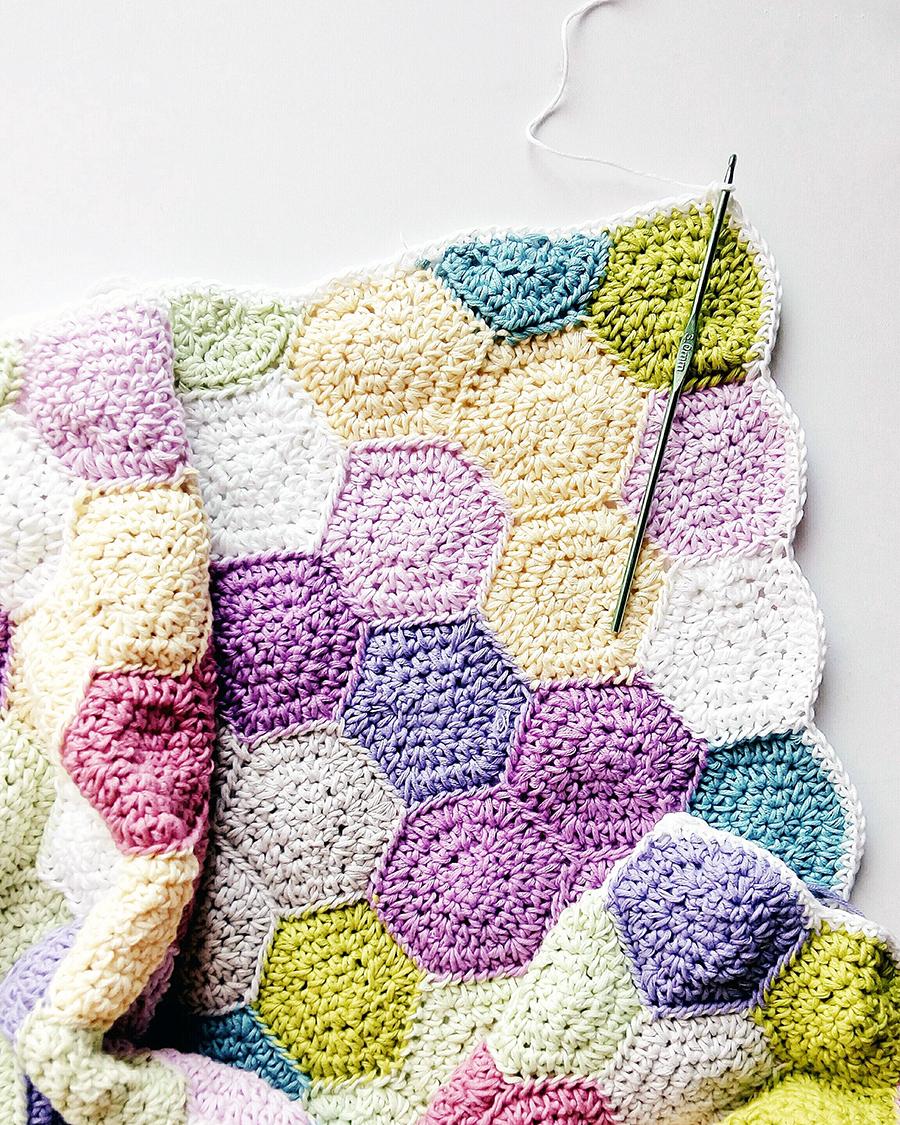 hexagon blanket.jpg