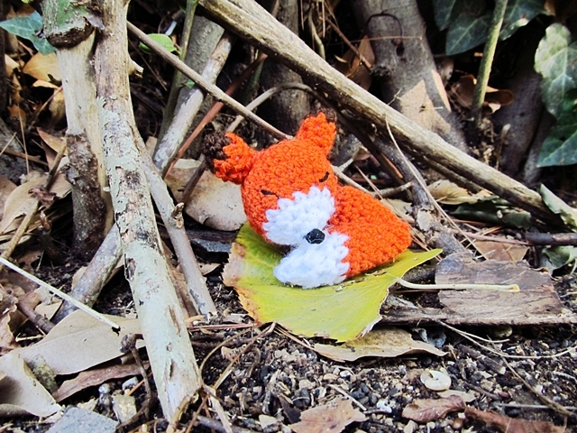 Sleeping Fox Free Crochet Patterns | 480x640