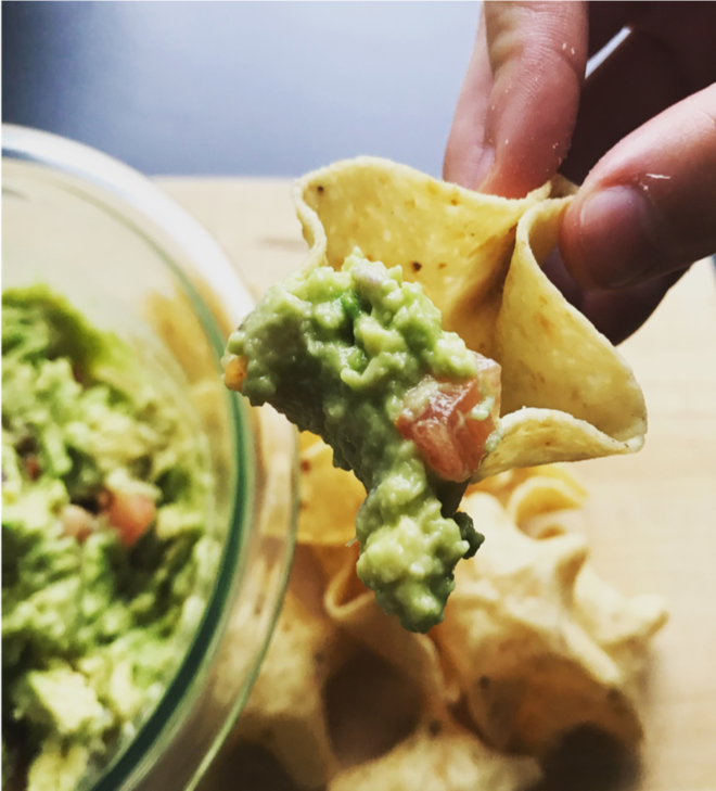SIMPLE GAME DAY GUACAMOLE -