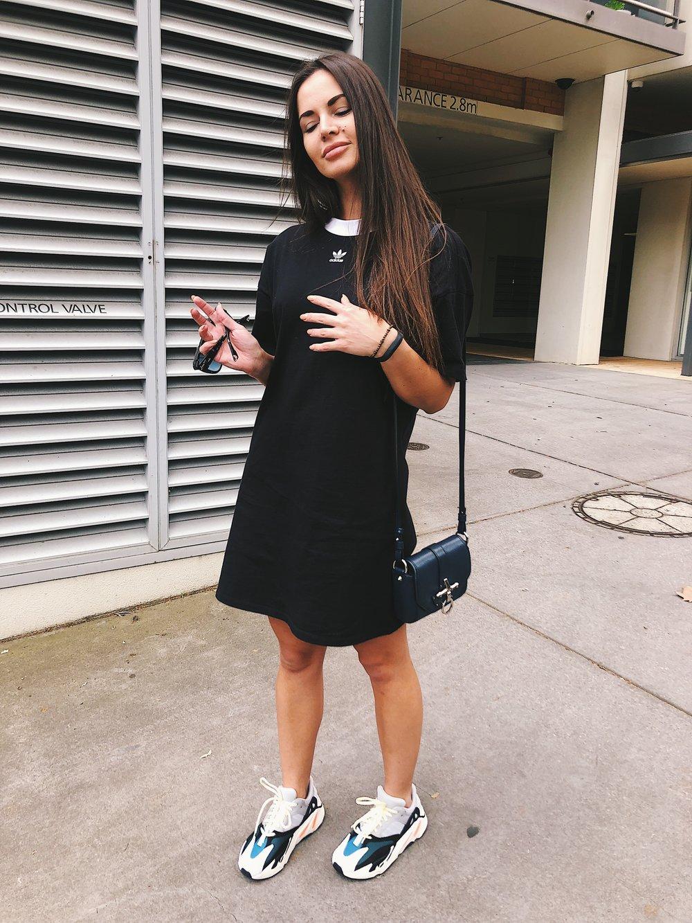 Adidas XL t,shirt dress Givenchy obsedia bag Adidas Yeezy 700 sneakers