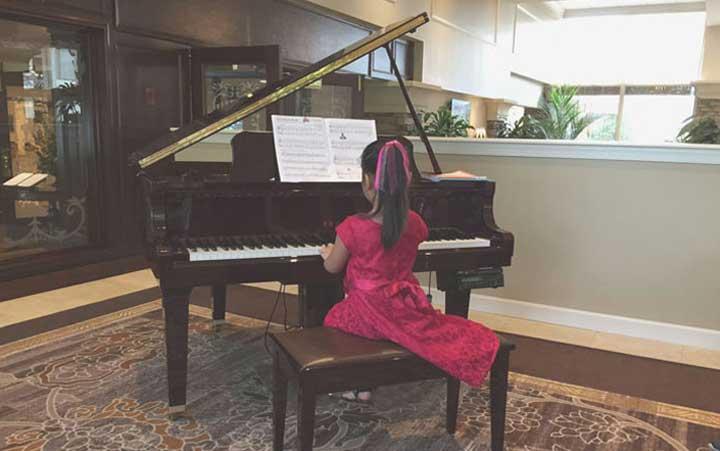 piano-student-girl.jpg