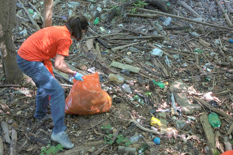 Trash threatens the lake's beneficial uses, Natural beauty and wildlife. -