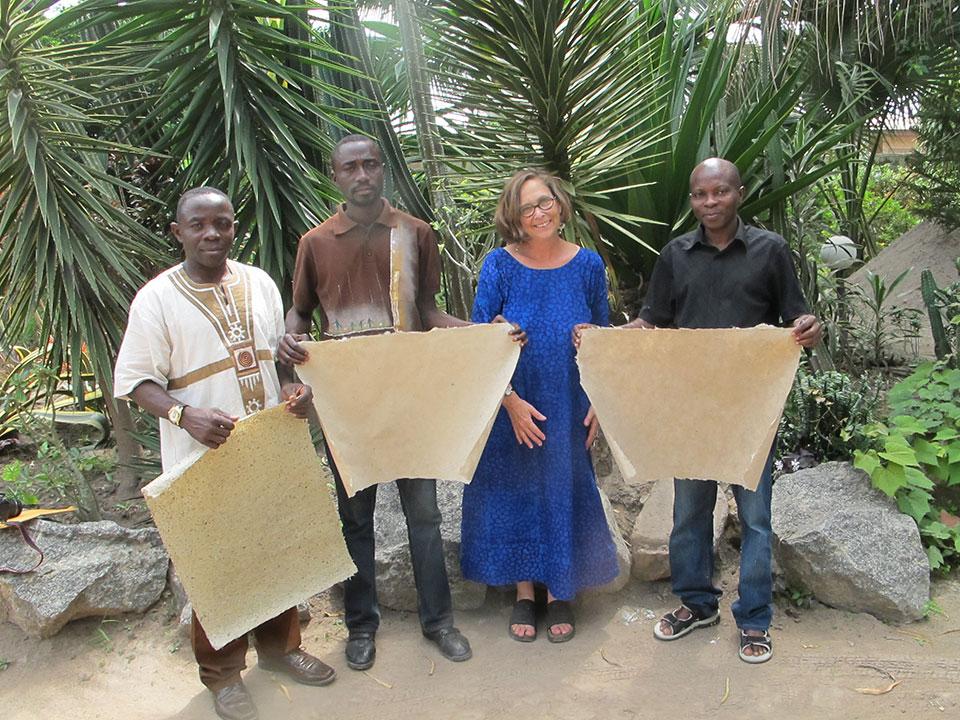 kumasi-commercial-artists-association-with-mary-hark.jpg